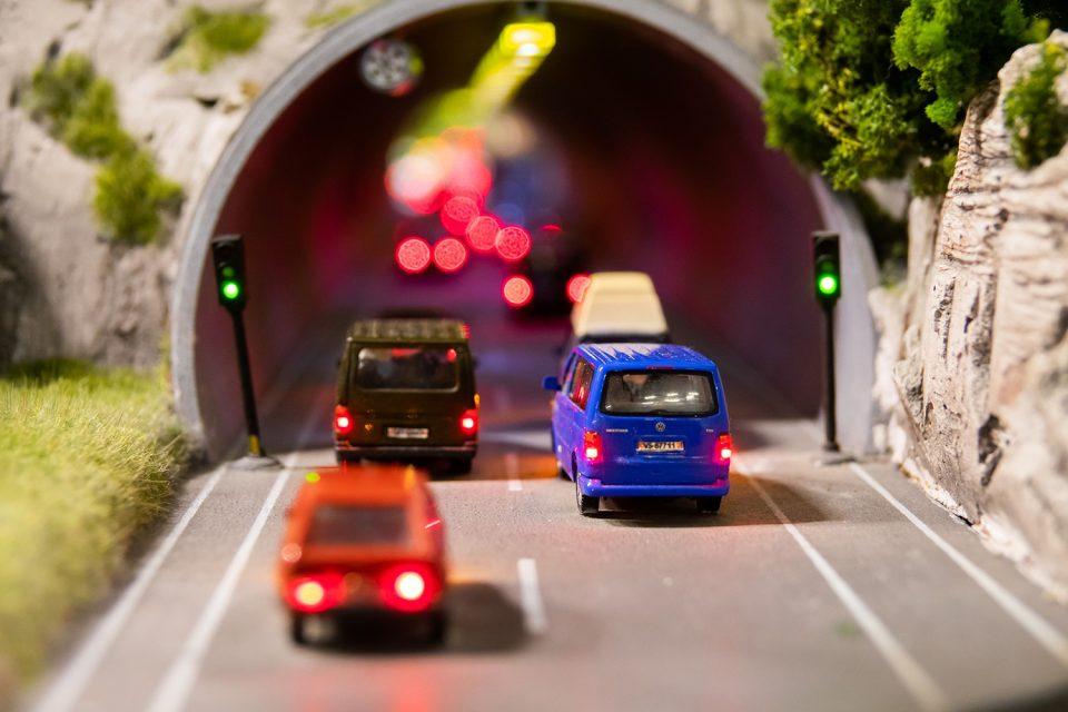 Wie man sich bei einer Panne im Tunnel verhalten sollte